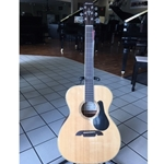 Alvarez AF65SHBAGP Limited Edition acoustic guitar pack
